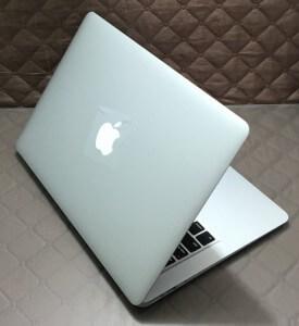 apple-macbook-air-13-128-gb-ssd-god-2015-kupit-macbook-v-prage (3)